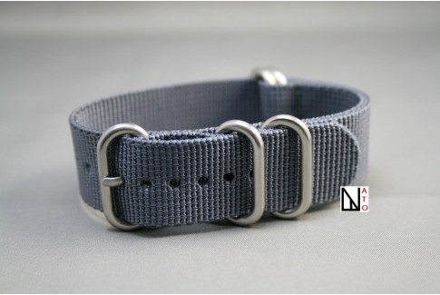Grey NATO ZULU nylon strap (highly resistant fabric)Grey NATO ZULU nylon strap (highly resistant fabric)
