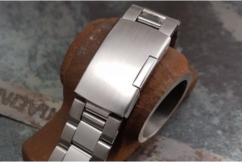 """Max"" solid stainless steel watch band (18, 20, 22, 24 mm), deployment clasp"