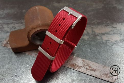 Red SELECT-HEURE nylon NATO watch strap, square brushed stainless steel buckles