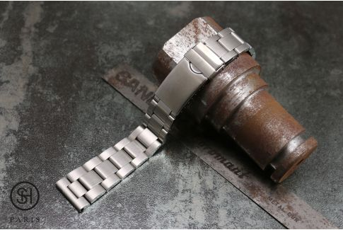 Classic Oyster solid stainless steel watch band (20 mm), security clasp