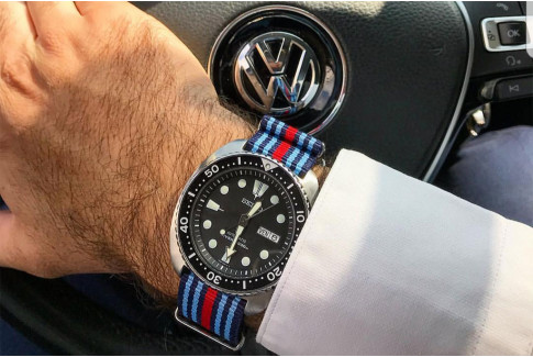 Racing BMW G10 NATO watch strap - Dark, Sky Blue and Red