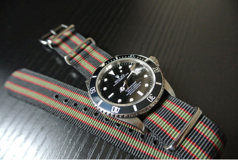 Original Bond G10 NATO strap (Black, Green, Red)