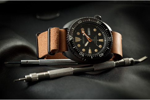 Gold Brown vintage Select'Heure leather NATO watch strap, black PVD stainless steel buckles