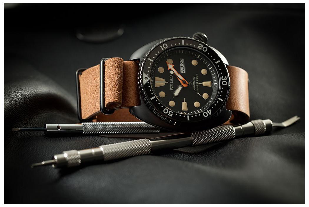 Bracelet montre NATO cuir SH Marron Or, boucles acier inox PVD noir